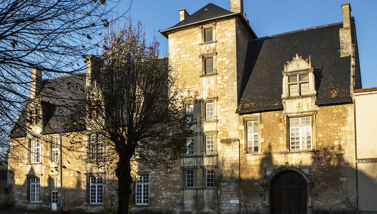 Malraux Poitiers Estissac