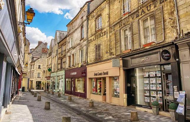 Rue Senlis